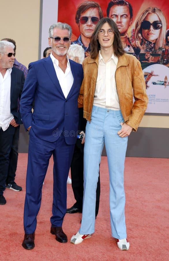 Pierce Brosnan e Dylan Brosnan imagem de stock
