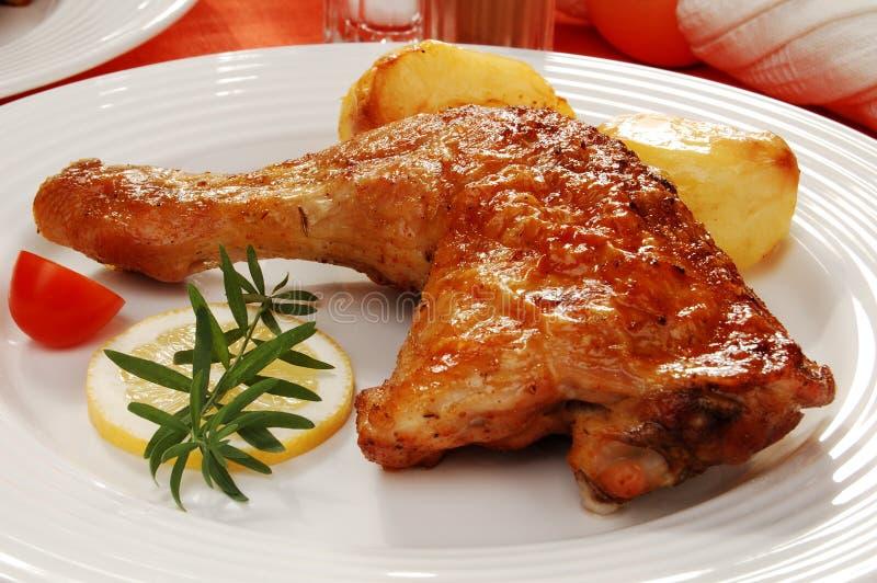 Download Pierna de pollo asada foto de archivo. Imagen de almuerzo - 7284438