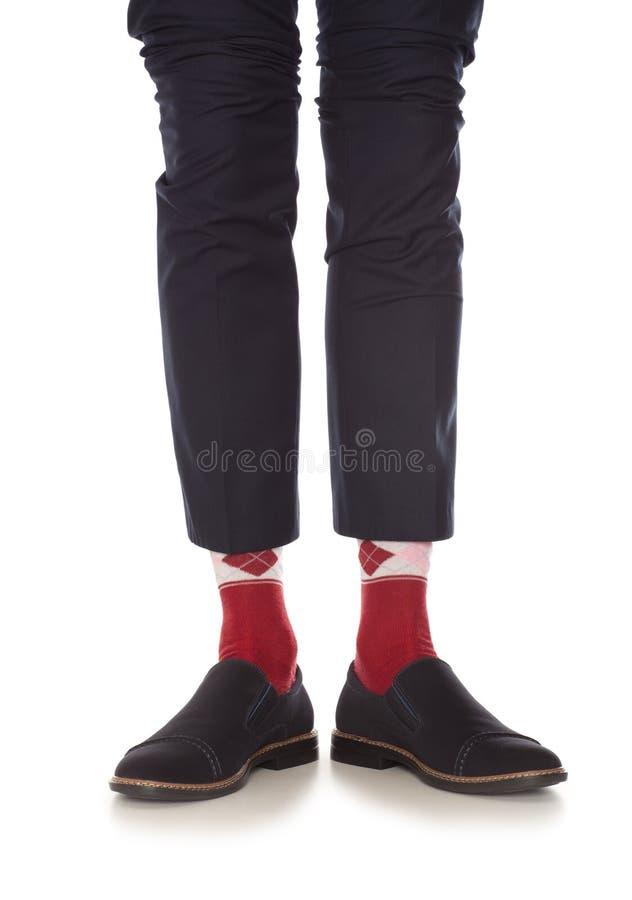 Pierna del hombre en calcetines rojos fotos de archivo libres de regalías