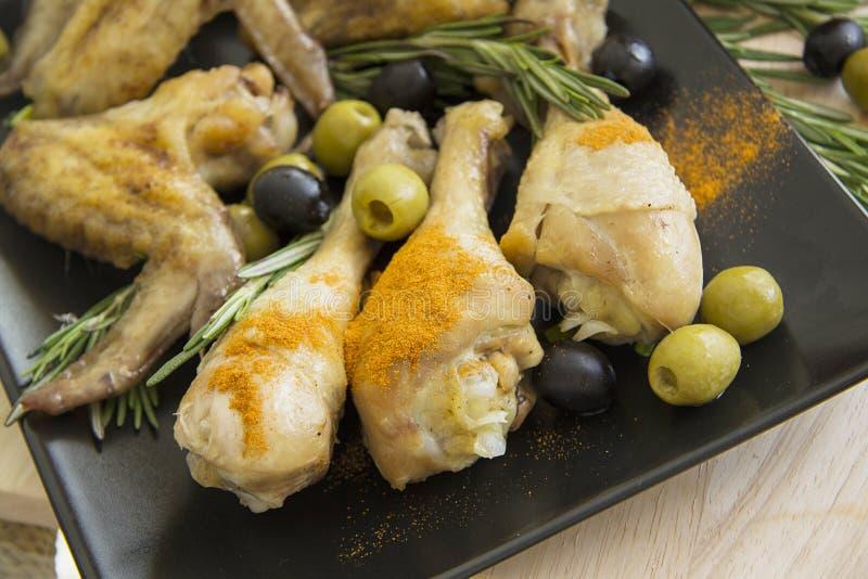 Piernas de pollo mediterráneas imagen de archivo