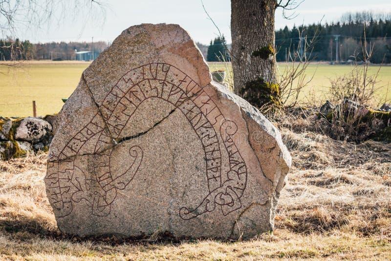 Pierre antique de rune photographie stock libre de droits