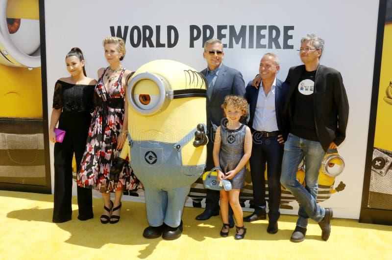 Pierre Coffin, Kyle Balda, Steve Carell, Kristen Wiig et Dana Gaier image stock