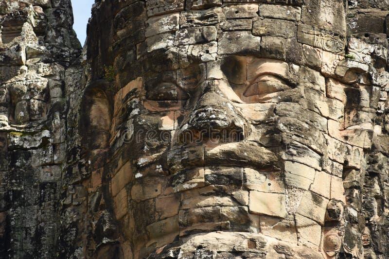 Pierre de visage de sourire au temple de bayon photographie stock libre de droits