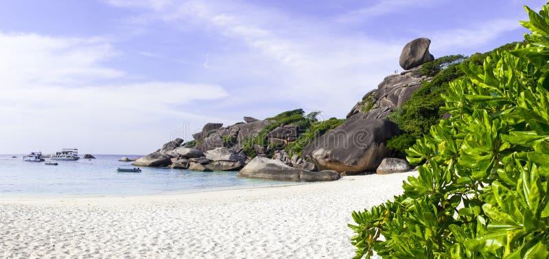 Pierre sur le dessus du huitième des îles de Similan en Thaïlande image libre de droits
