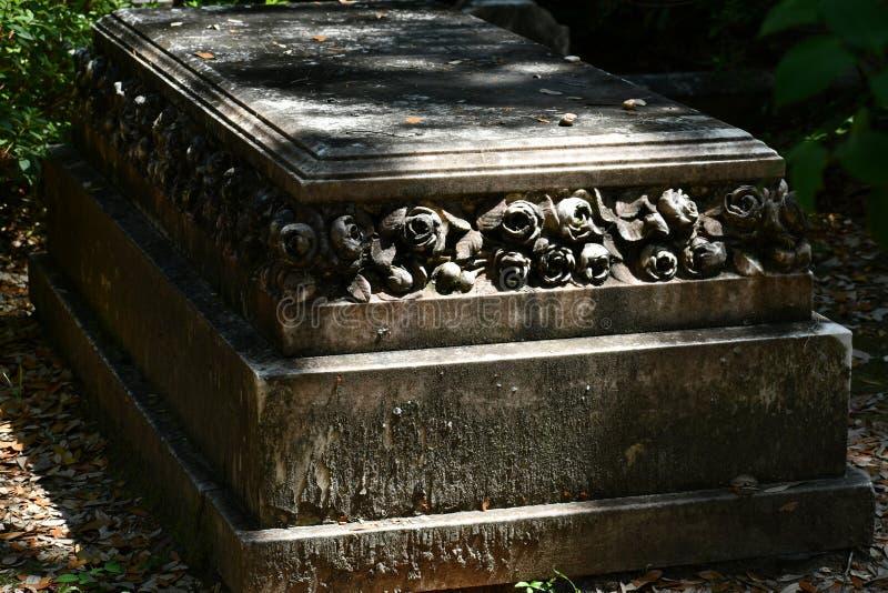 Pierre tombale de cimetière au cimetière historique de Savannah Georgia image libre de droits