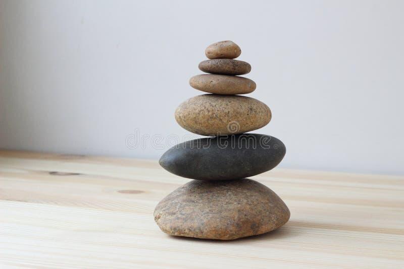 Pierres d'équilibre d'harmonie de zen photo libre de droits