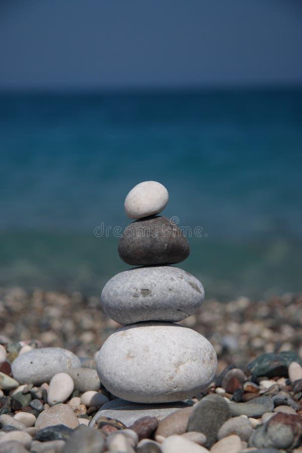 pierres de bord de la mer photos libres de droits