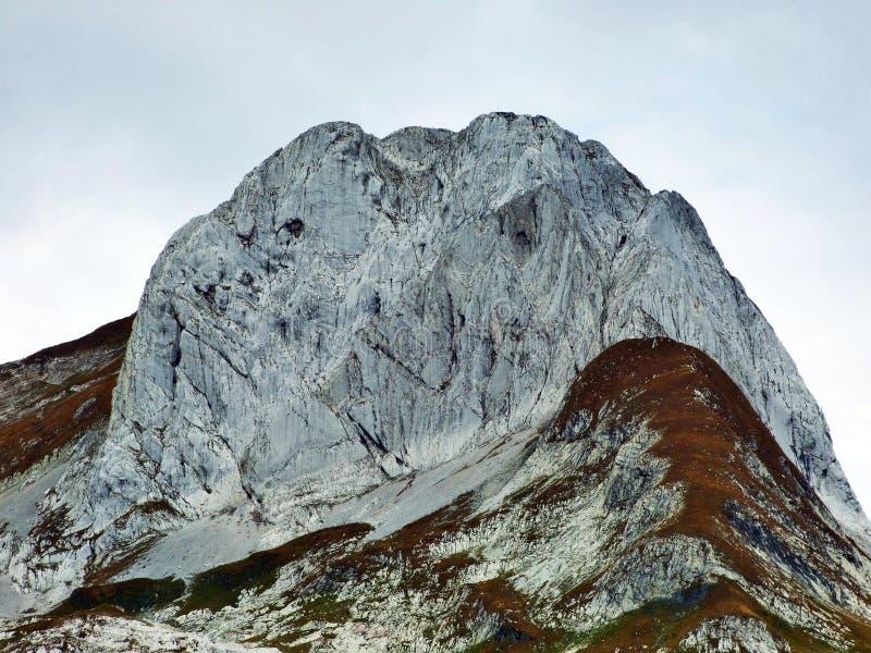 Pierres et roches du massif Alpstein de montagne image libre de droits