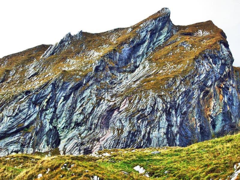 Pierres et roches du massif Alpstein de montagne photographie stock libre de droits