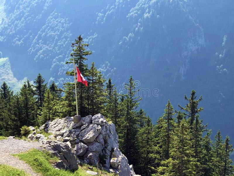 Pierres et roches du massif Alpstein de montagne et dans la r?gion d'Appenzellerland image stock