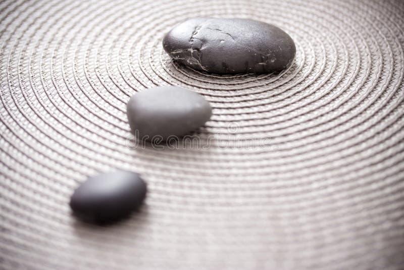 Pierres représentant le zen, l'équilibre et la méditation photos libres de droits