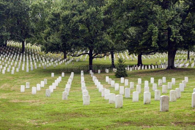 Pierres tombales à Arlington photos stock
