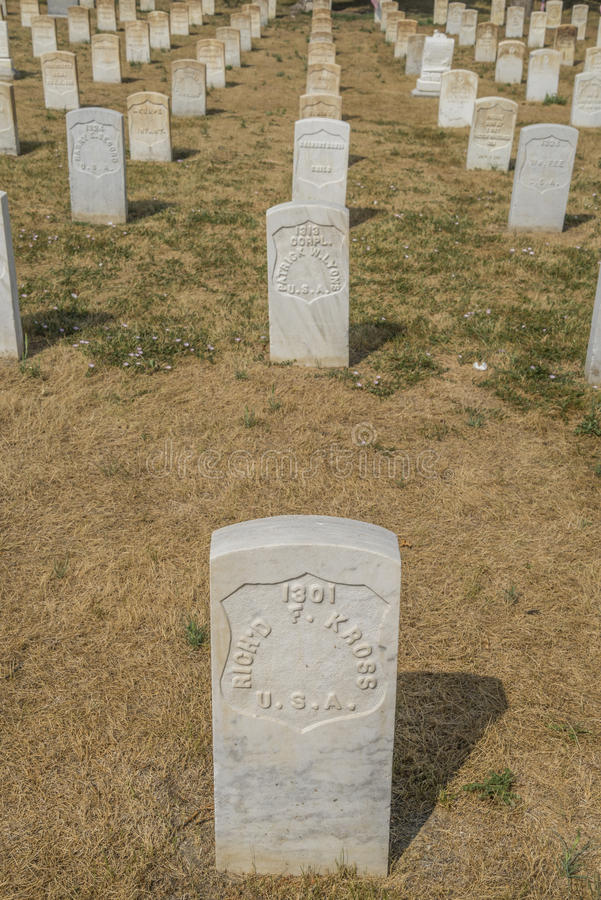 Pierres tombales dans le mémorial national de champ de bataille de Little Bighorn : Pierres tombales image libre de droits