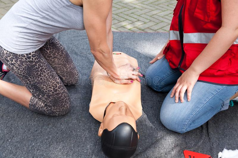 Pierwsza pomoc i CPR szkolenie obraz stock