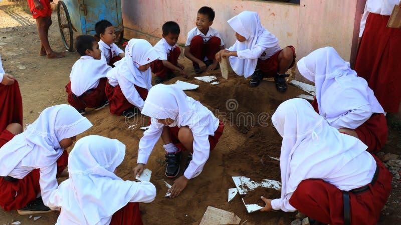 Pierwszy dzień szkoła szkoła podstawowa ucznie zdjęcia stock