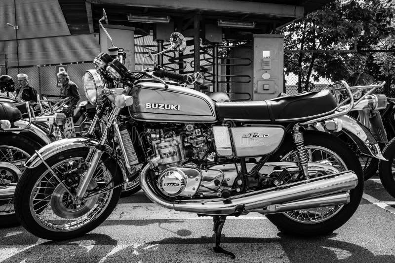 Pierwszy Japoński motocykl z chłodzącym parowozowym Suzuki GT750 obraz stock