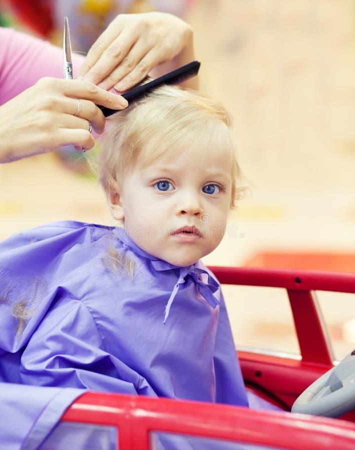 Pierwszy ostrzyżenie chłopiec zdjęcie royalty free