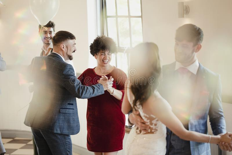 Pierwszy partnera taniec Przy Millennial ślubem fotografia royalty free