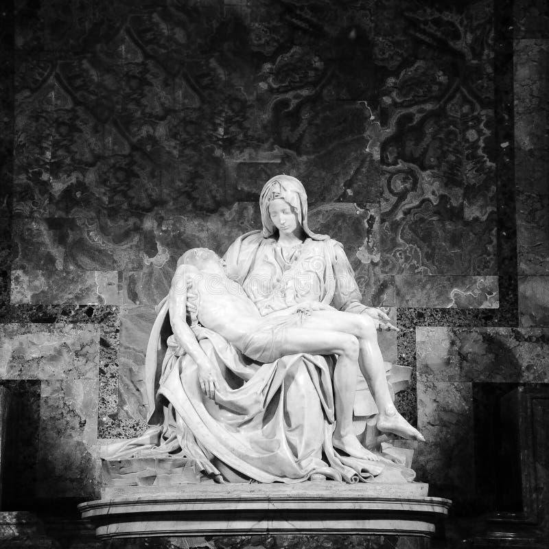 Pietà Di Michelangelo The Pity, 1498-1499, situato in st Peter Basilica a Roma immagine stock