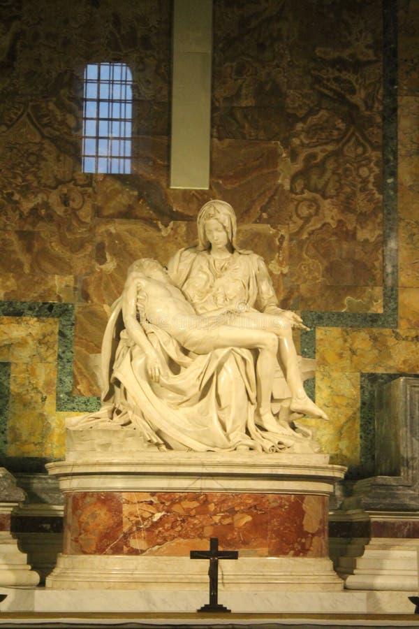 Pietain la basilique de St Peter à Vatican image libre de droits