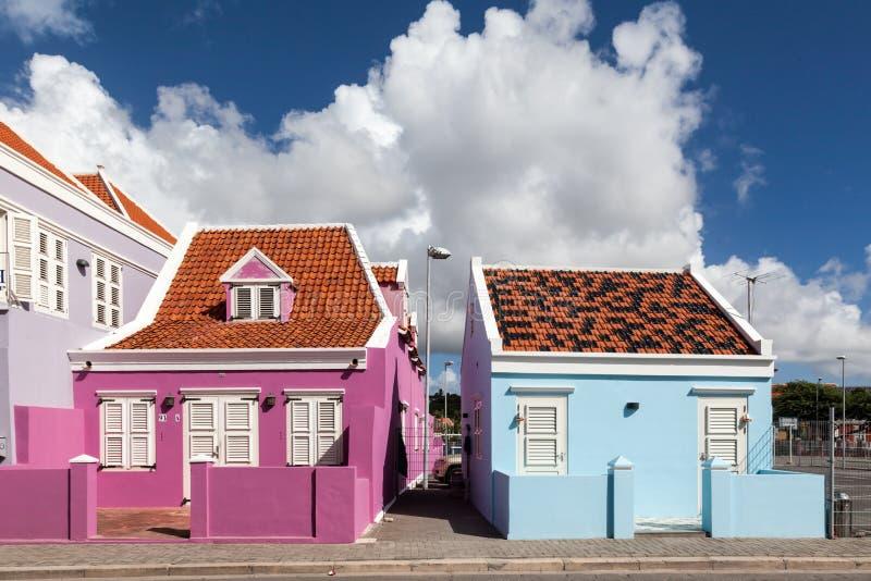 Pietermaai区老桃红色房子 库存照片