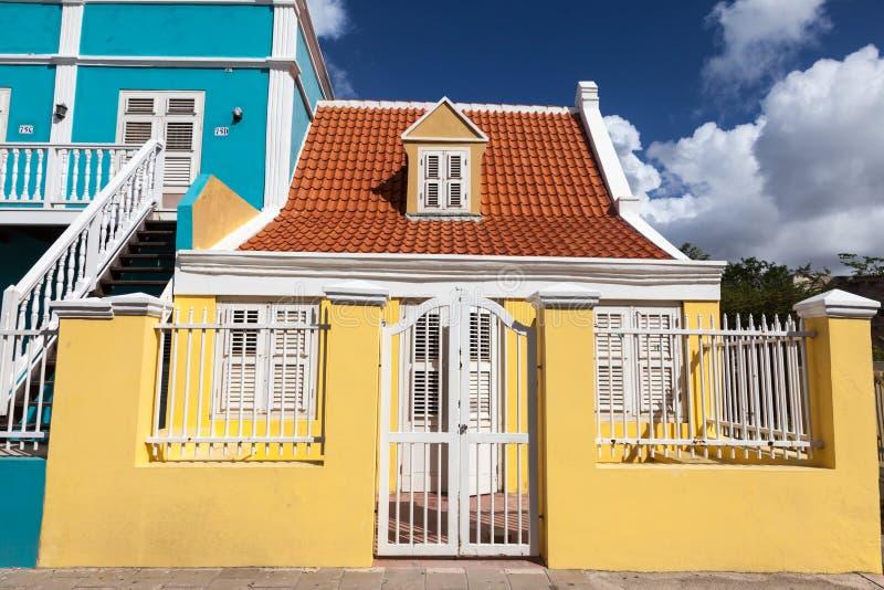 Pietermaai区老黄色房子 免版税库存照片