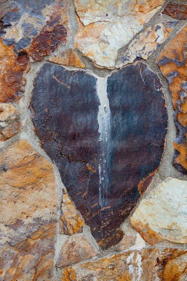 Pietra del cuore rotto immagini stock libere da diritti