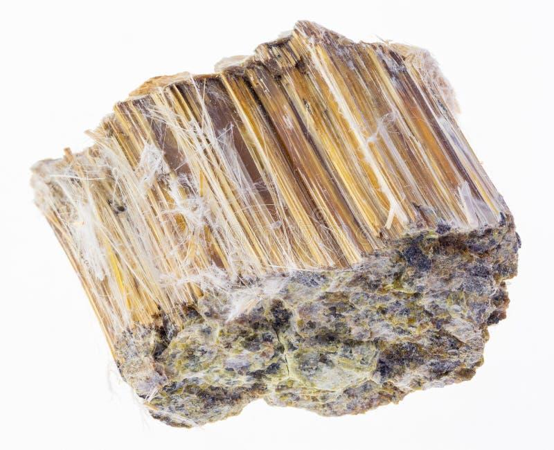 pietra marrone cruda dell'amianto su bianco fotografia stock