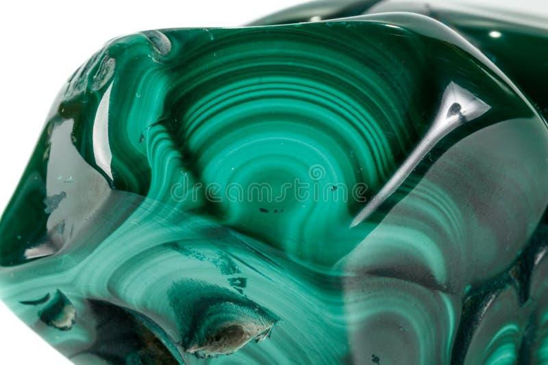 Pietra minerale della macro malachite su fondo bianco fotografie stock libere da diritti