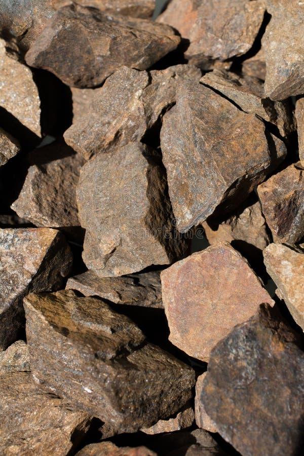 Pietra preziosa di Bronzite come roccia minerale naturale fotografie stock