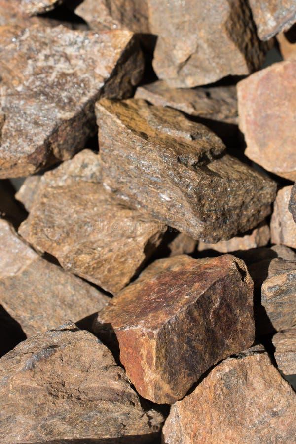Pietra preziosa di Bronzite come roccia minerale naturale fotografia stock libera da diritti