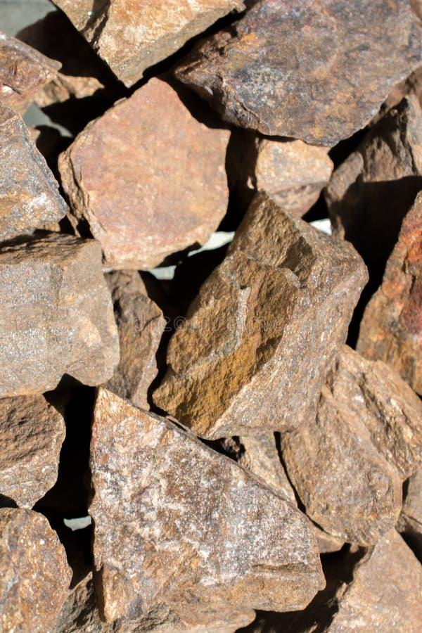 Pietra preziosa di Bronzite come roccia minerale naturale immagini stock libere da diritti