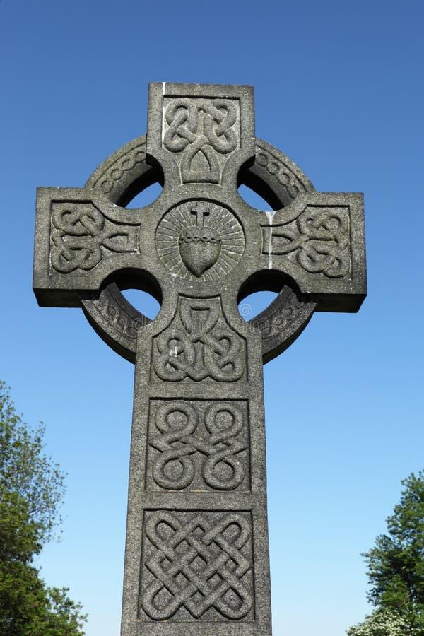 Pietra tombale della croce celtica fotografia stock libera da diritti