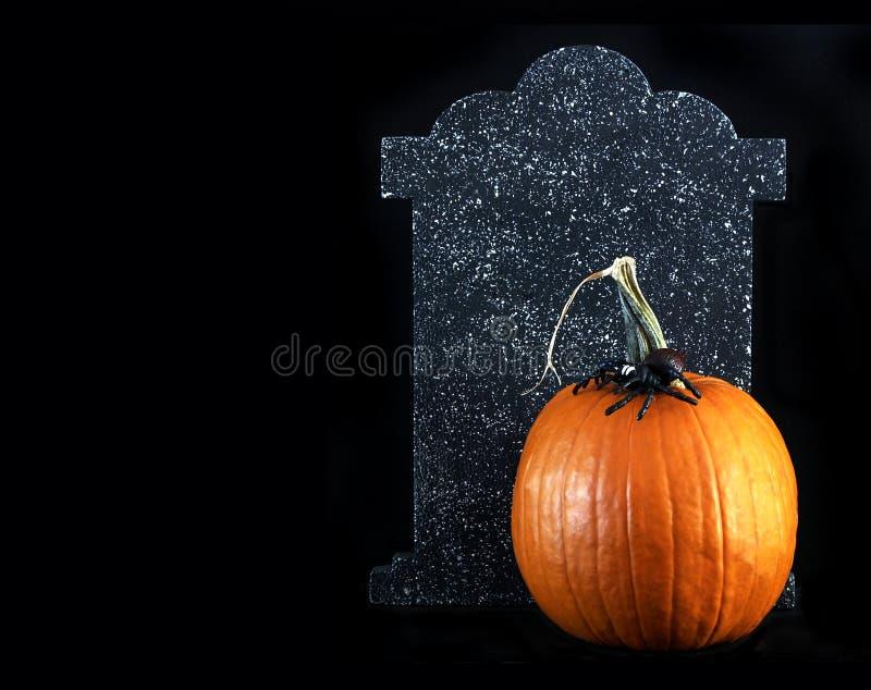 Pietra tombale della zucca di Halloween fotografia stock