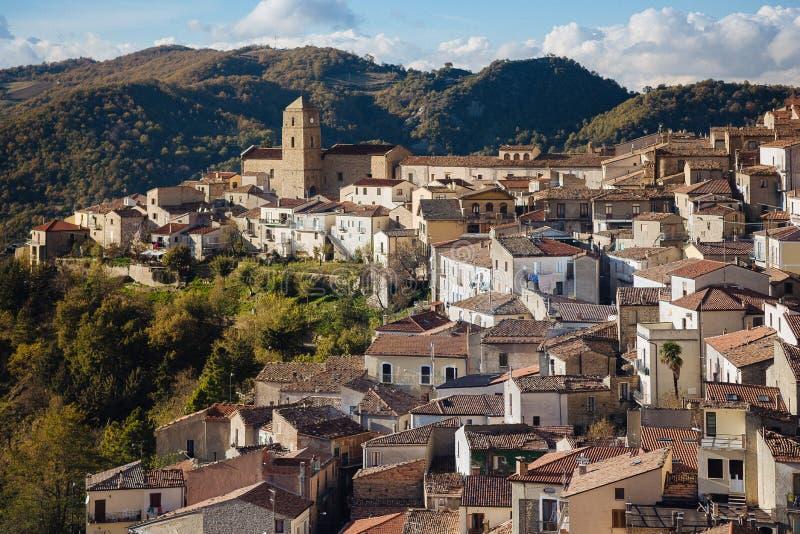 Pietrapertosa jest comune w prowinci Potenza i miasteczkiem obrazy stock