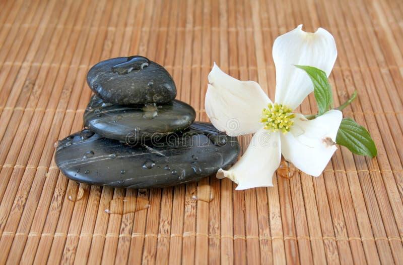 Pietre di massaggio fotografie stock libere da diritti