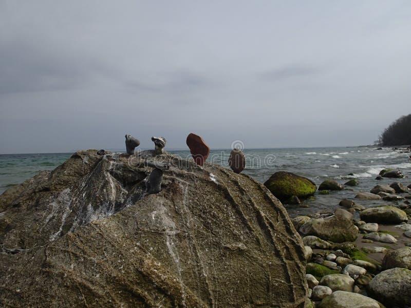 Pietre piastrellate su una roccia immagine stock libera da diritti