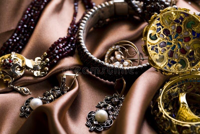 Download Pietre preziose - gioielli immagine stock. Immagine di valore - 7317731