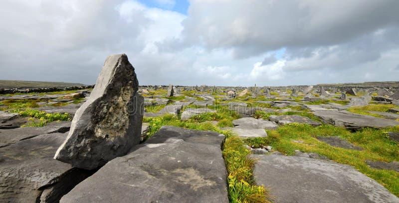 Pietre su Inishmore, uno di Aran Islands l'irlanda fotografie stock libere da diritti