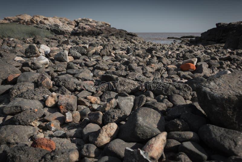 Pietre sul litorale fotografia stock libera da diritti