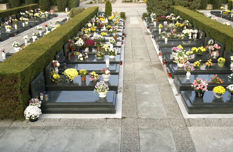 Pietre tombali in una riga fotografia stock libera da diritti