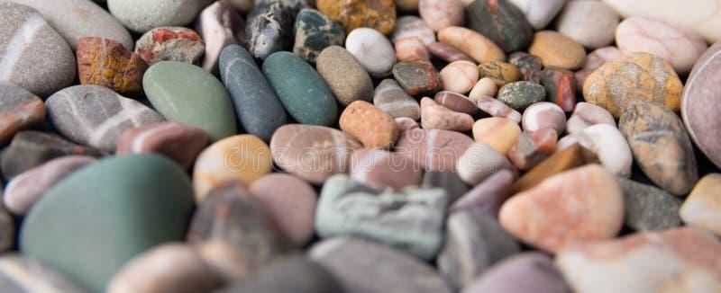 Pietre variopinte della spiaggia fotografia stock