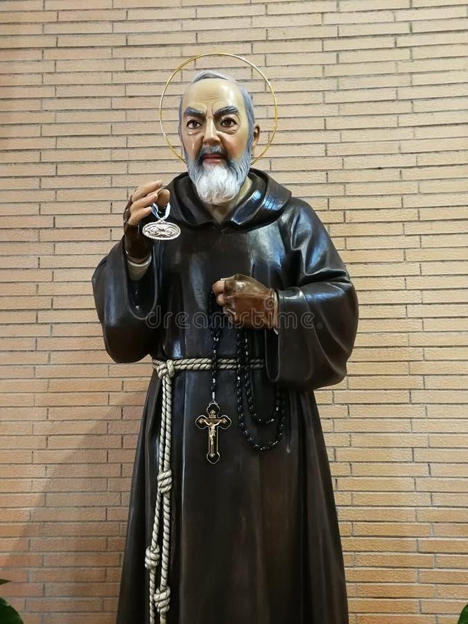 Pietrelcina - saint Pio dans le Hall liturgique image libre de droits