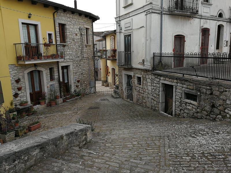 Pietrelcina - Stegen van het historische centrum royalty-vrije stock afbeelding