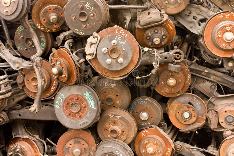 Piezas de automóvil oxidadas fotografía de archivo