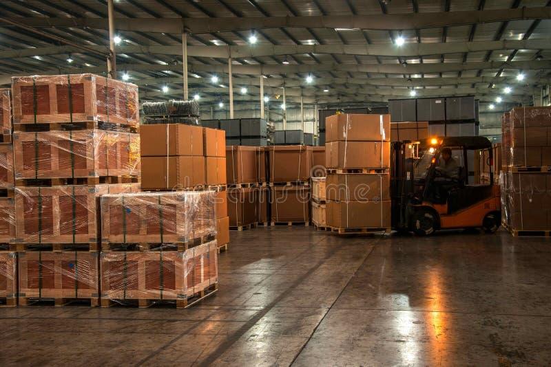 Piezas de automóvil Warehouse de Chongqing Minsheng Logistics Chongqing Branch foto de archivo libre de regalías