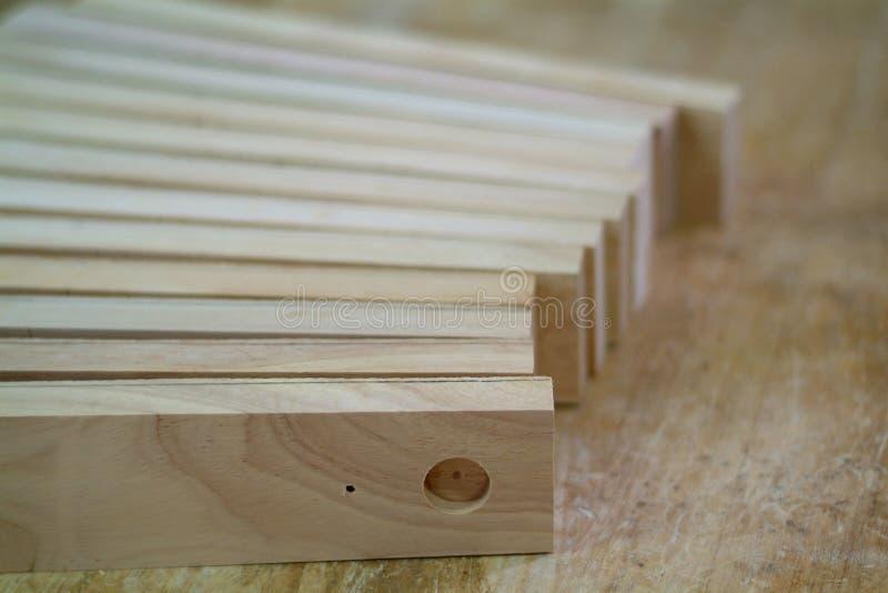 Piezas de madera para la producción de los muebles fotografía de archivo