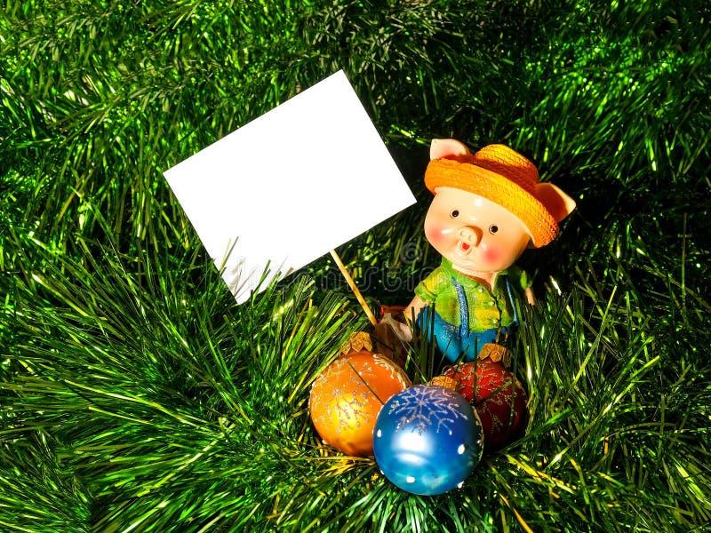 Piggy wenst gelukkig Nieuw jaar, 2019, prentbriefkaar, brief, teken stock afbeelding