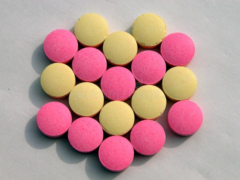 Download Pigułka kształt v zdjęcie stock. Obraz złożonej z leki, pharmaceutical - 34870