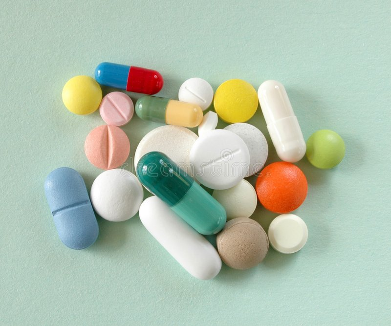 Download Pigułki. zdjęcie stock. Obraz złożonej z medycyna, kapsuły - 25014